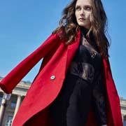 AITU艾托奥女装冬装 面对时尚你便是焦点