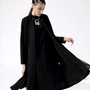 BHUU奔狐女装黑色潮流搭配 时尚就是那么简单!