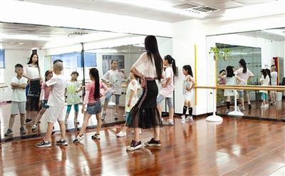 2016中华民族少儿服装服饰模特大赛暨全国总决赛天津赛区选拔赛现已启动。