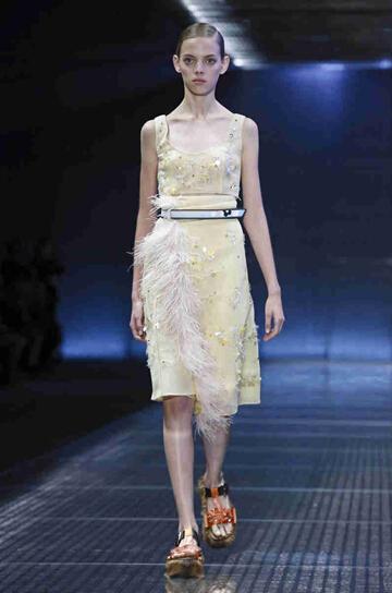 2017春夏米兰时装周 普拉达 (Prada)女装发布(图6)