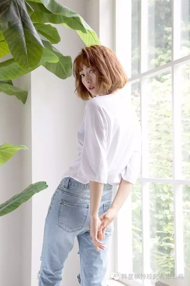 韩星模特kp6147,甜美的笑容搭配空气刘海,可爱迷人,强有力的眼神与