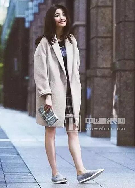 金蝶茜妮推荐:2017年最流行大衣就是这几款啦!图片