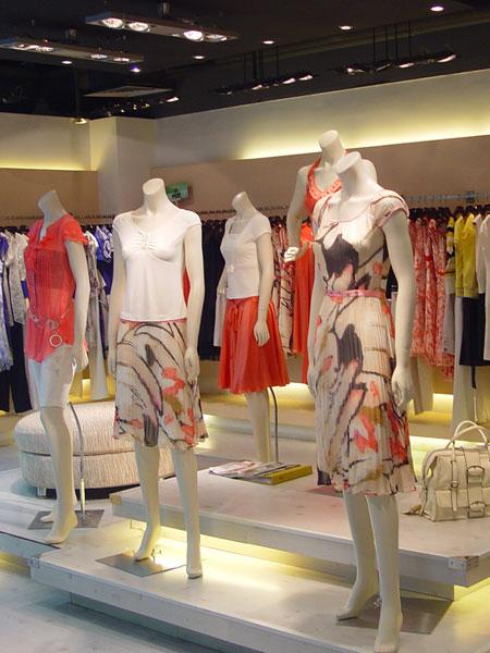 2017,女人世界名店女装全国招商火热进行中 更多加盟优势等你来享
