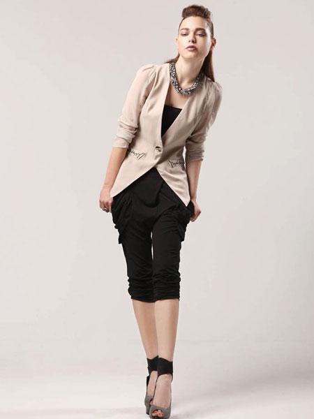 都市高端时尚的设计师品牌魅帝女装诚邀加盟