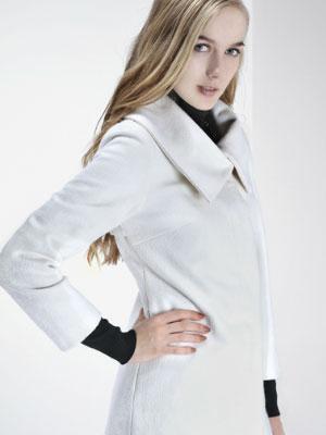 都市高端时尚的设计师品牌尚影女装诚邀加盟