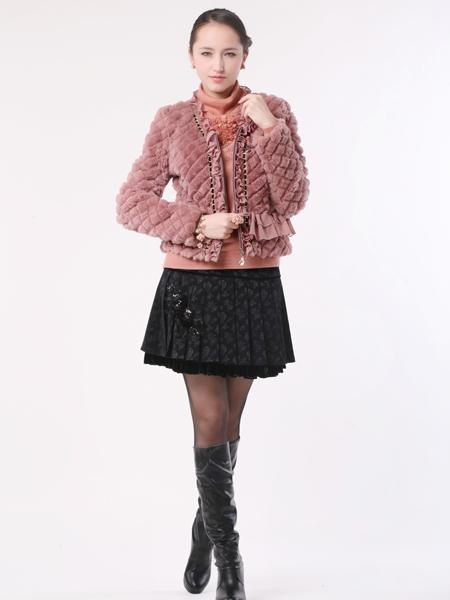 梦丽莎时尚品牌女装 简约欧陆宫廷风格塑造优美曲线