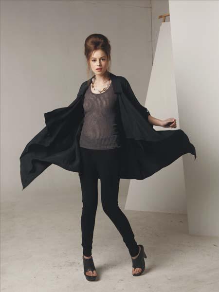 卓越的设计师团队 莫名女装加盟合作