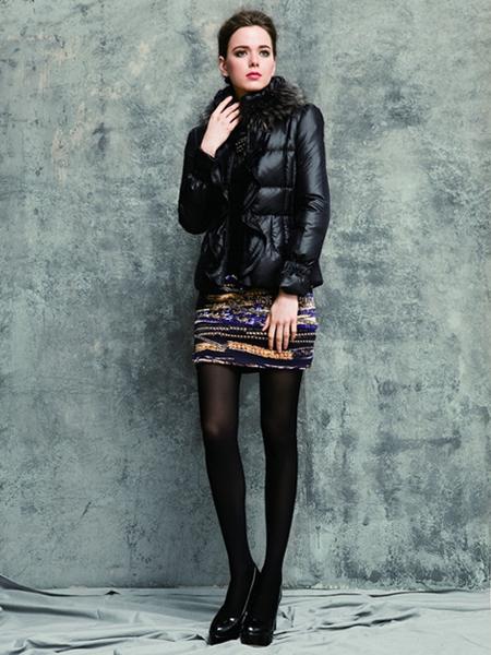 三彩女装招商 打造国内优秀女装品牌