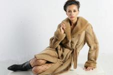 白领氏COLLECTION皮草服饰样品皮草外套款式