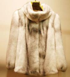 圣仙奴SHENGXIANNU皮草时装样品皮草女装外套款式