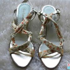 Guy Laroche鞋业14990款