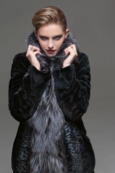 HERAS皮草服饰样品皮草女装外套款式