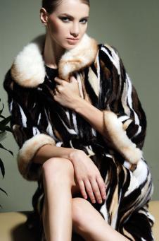曼珞蒂MELODY2012皮草服饰样品皮草女装万套款式
