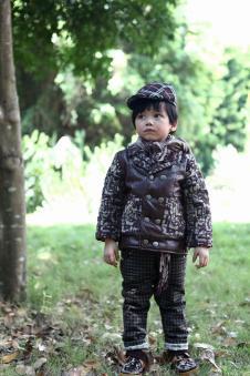 麦肯邦尼MARCO BANI2012秋冬童装样品羽绒服