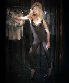 薇妮体雕WENEE2012塑身内衣样品