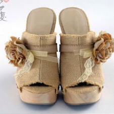 步履玲珑鞋业29004款
