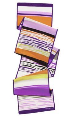 瑪麗亞?古琦MARJA KURKI 2012是品牌樣品絲巾