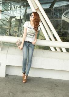 龙的情人Longdeqr牛仔品牌服饰样品女装牛仔裤