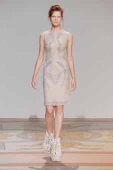 艾里斯·范·荷本女装42029款