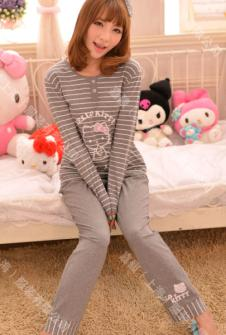 凯蒂猫睡衣132389款