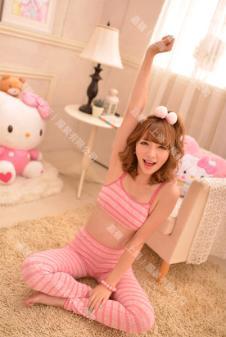 凯蒂猫睡衣135602款