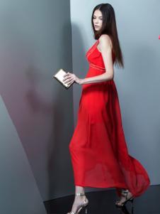 卡索红色长裙