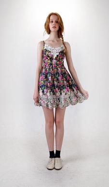 PEACEBESARAH女装156183款