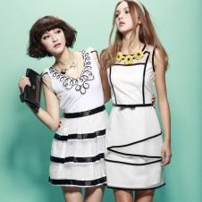 黑白连衣裙