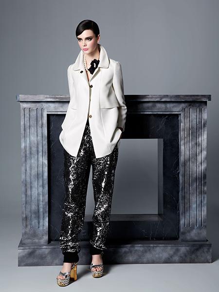 红贝缇HON.B女装白色大衣