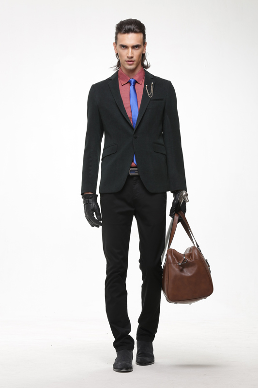 都市高端时尚的设计师品牌深东浩男装诚邀加盟