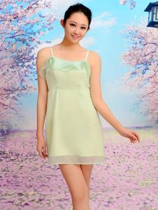 红雨竹绿色吊带裙