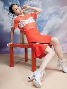 艾露伊红色连衣裙