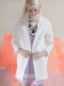 艾露伊白色外套
