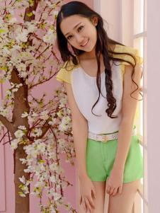 红雨竹绿色休闲短裤