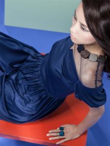 艾露伊收腰裙