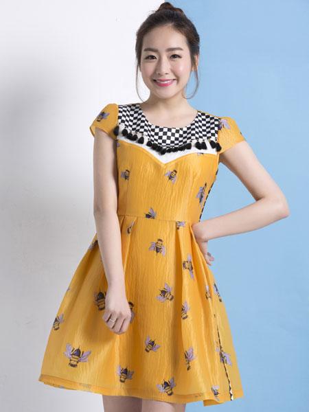 服装招商 商业资讯 艾米塔女装 让甜美风主导时尚    裙装的甜美,相比