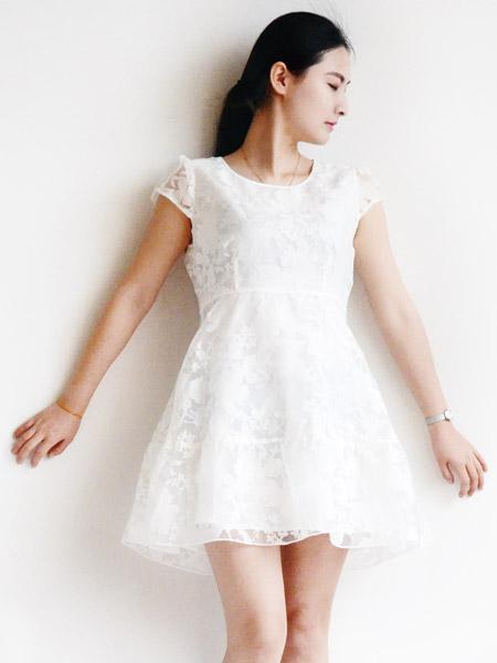 2015耶丽雅女装白色蕾丝裙子