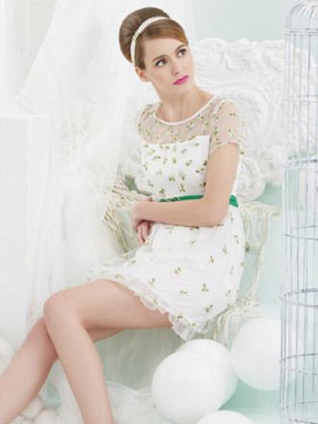 歌手dada妲妲个人资料_斯妲黛莎品牌女装 经典黑白配就足够时尚