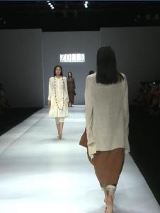 因为ZOLLE女装春季新款白色棉麻连衣裙