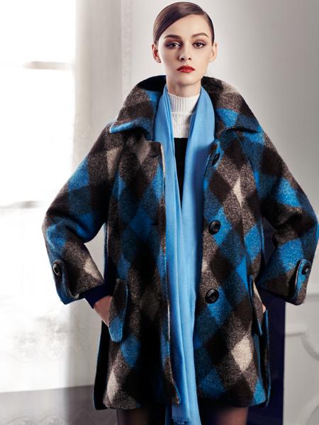 迪奥羊绒大衣