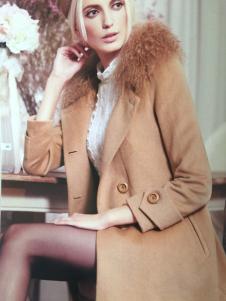 斯琪美诺毛领外套