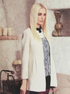 斯琪美诺白色外套