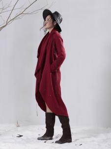 因为女装大红色长款外套