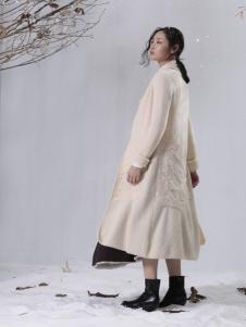 zolle因为中长款白色外套
