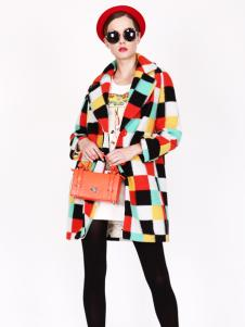 璱妠女装冬季新款格子印花外套