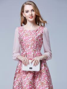 百依秀子春季新款粉色连衣裙