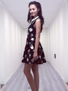 帛可黑色连衣裙