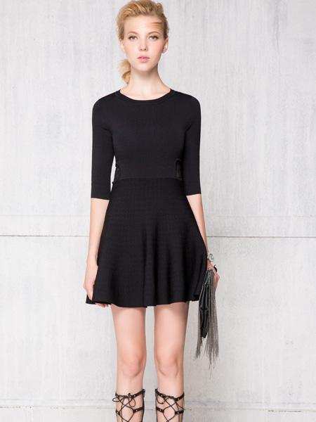深圳红贝缇女装黑色中袖裙子