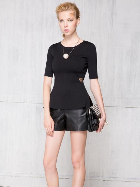 深圳红贝缇女装中袖黑色T恤