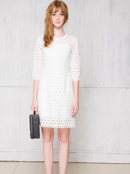 红贝缇新款白色中袖裙子